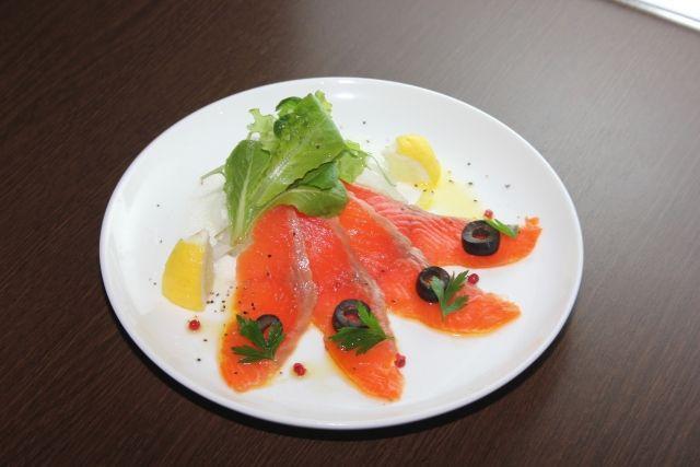 salmon02-min